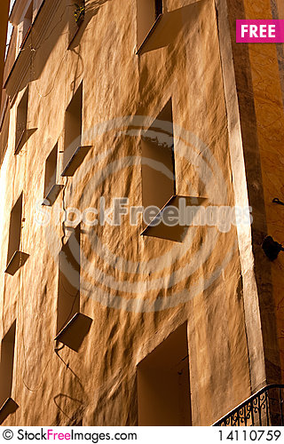Free Front Of Spanish House Royalty Free Stock Images - 14110759