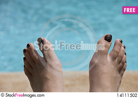 Free Feet And Pool Stock Photography - 14111502