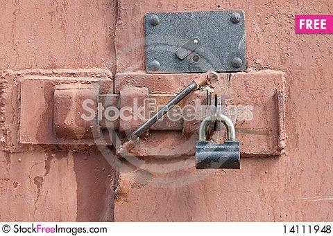 Free Padlock On A Door Royalty Free Stock Photos - 14111948