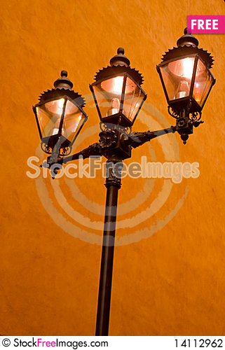 Free Mexican Streetlamp Stock Photography - 14112962