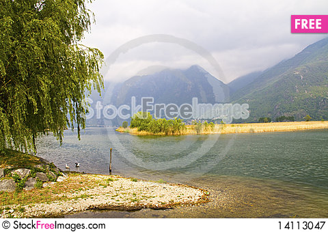 Free Lake Royalty Free Stock Photography - 14113047