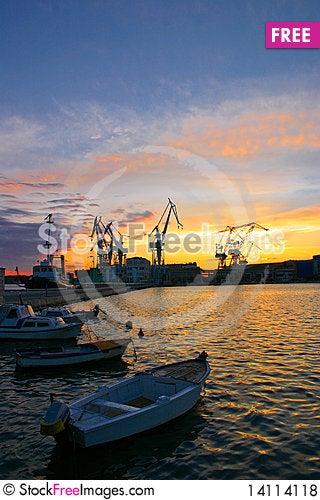 Free Harbor At Sunset Royalty Free Stock Photos - 14114118