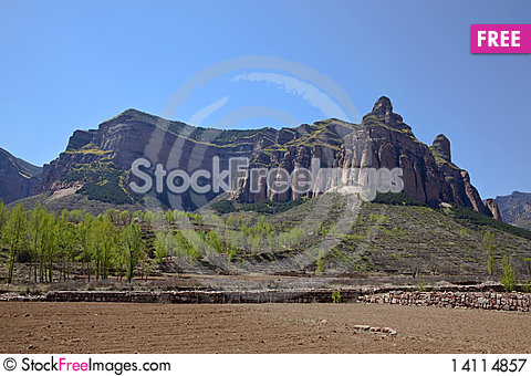 Free Mountains In Spring Royalty Free Stock Photography - 14114857