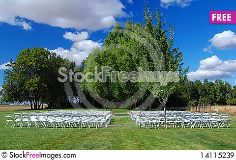 Free Outdoor Wedding Scene Royalty Free Stock Images - 14115239