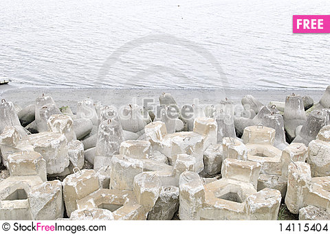 Free The Wave Dissipating Concrete Block Stock Images - 14115404