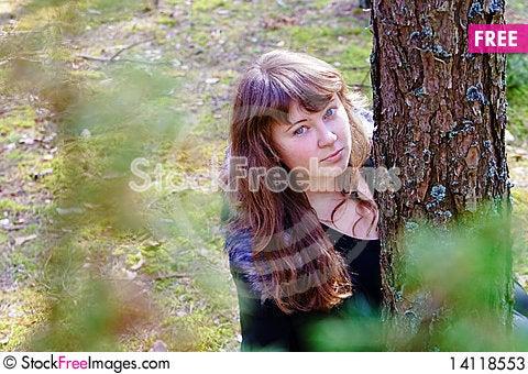 Free Girl Near The Tree Stock Photos - 14118553