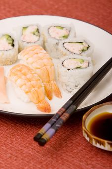 Free Sushi Platter Royalty Free Stock Photography - 14110267