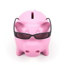 Free Piggy Bank Royalty Free Stock Photo - 14112505