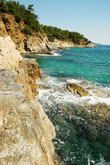 Free Beautiful Green Island Royalty Free Stock Image - 14112776