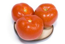 Free Ripe Tomatoes On A Plate Stock Photo - 14113010