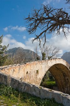 Free Venetian Bridge At Preveli Royalty Free Stock Image - 14114416