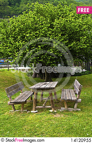 Free Park Bench Royalty Free Stock Photo - 14120955