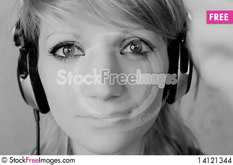 Free DJ Girl Stock Images - 14121344