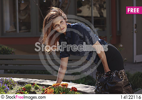Free Pretty Woman In Harbor Village In Lifestyle Royalty Free Stock Image - 14122116