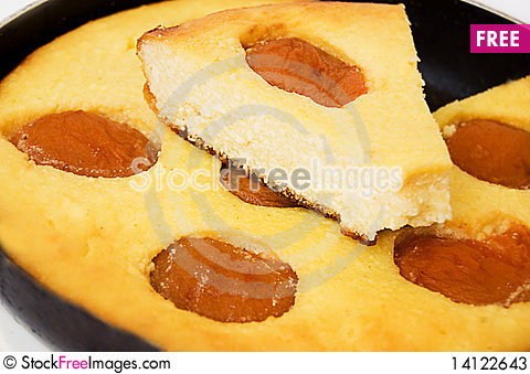 Free Baked Pudding With Apricot Stock Photos - 14122643