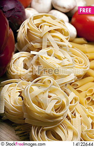 Free Cooking With Italian Ingredients Stock Images - 14122644