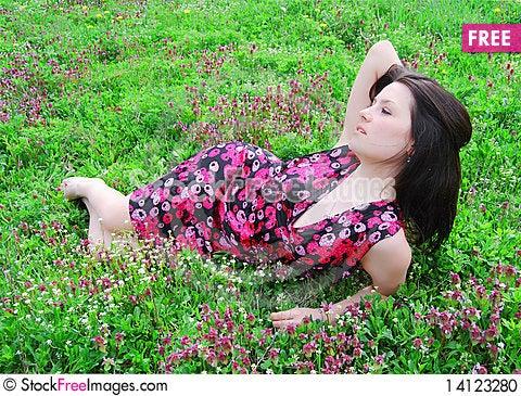 Free The Beautiful Girl Walks Stock Photo - 14123280