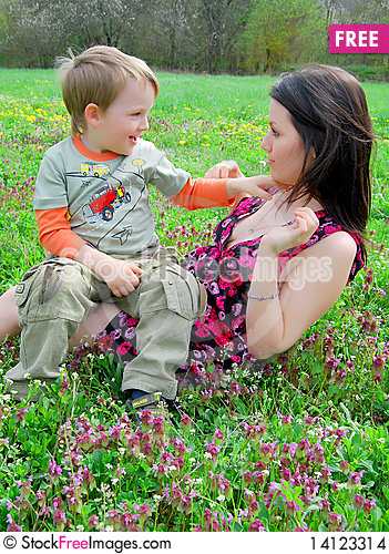 Free Mum And The Son On A Walk Stock Images - 14123314