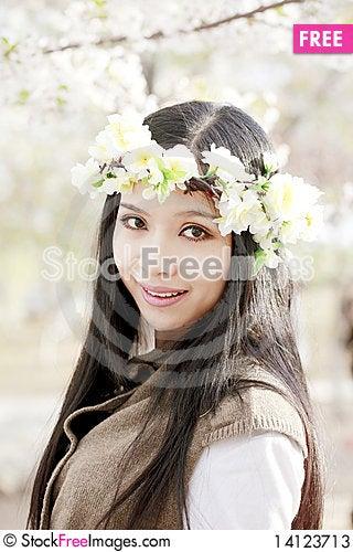Free Asian Girl In Garland Stock Photos - 14123713