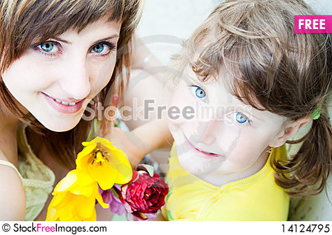 Free Two Pairs Of Blue Eyes Royalty Free Stock Photo - 14124795