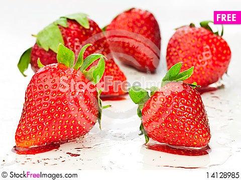 Free Sweet Strawberries Royalty Free Stock Photo - 14128985