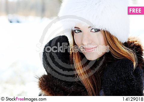 Free Winter Girl Royalty Free Stock Photos - 14129018