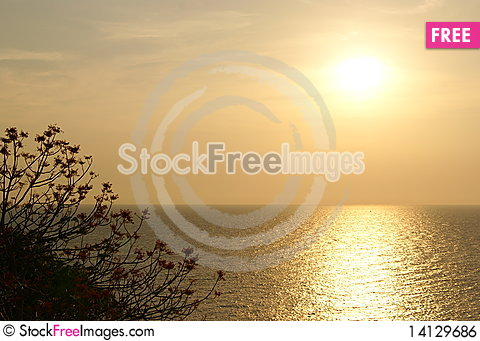 Free Sunset On Sea Royalty Free Stock Image - 14129686