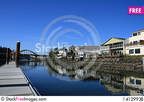 Free Waterfront Shops Royalty Free Stock Photos - 14129938