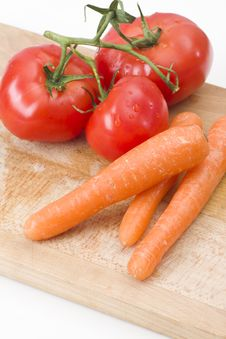 Free Fresh Tomatoes And Carrot Stock Photography - 14122692