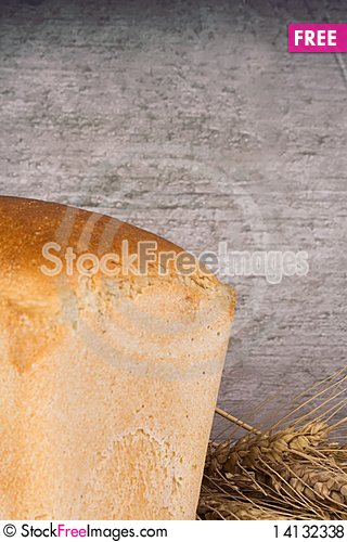 Free Wheat Ear And Bread Royalty Free Stock Photos - 14132338