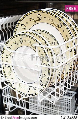 Free Open Dishwasher Royalty Free Stock Image - 14134686