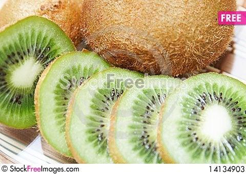 Free Kiwi Fruit Slices Stock Photos - 14134903