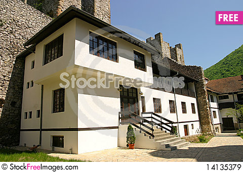 Free Serbian Monastery Royalty Free Stock Images - 14135379