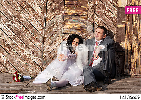 Free Bride And Groom Royalty Free Stock Images - 14136669