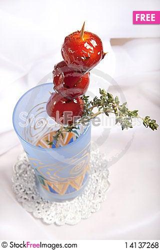 Free Sweet Cherry Tomato Royalty Free Stock Photos - 14137268