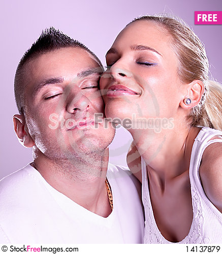 Free Tender Young Couple Posing Royalty Free Stock Images - 14137879