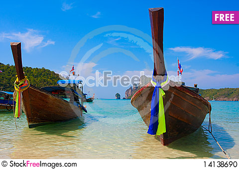 Free Boat In The Bay Stock Photo - 14138690
