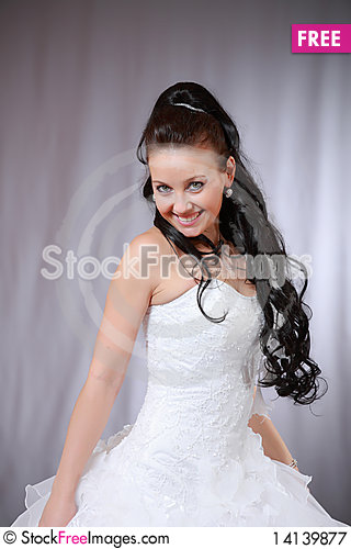 Free Bride In Wedding Gown. Royalty Free Stock Photography - 14139877