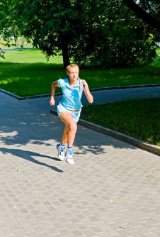 Free Girl Jogging Stock Image - 14130521