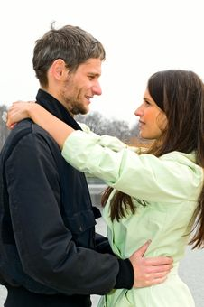Free Loving Couple Royalty Free Stock Photos - 14130528