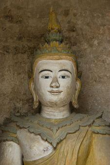 Free Holy White Buddha Stock Image - 14133591