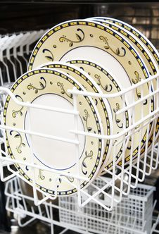 Free Open Dishwasher Royalty Free Stock Image - 14134686