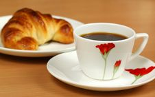 Black Coffee And Croissant Royalty Free Stock Photography