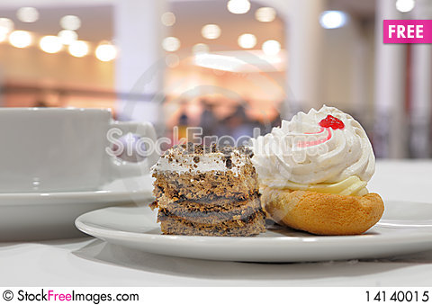 Free Pastry. Royalty Free Stock Photo - 14140015
