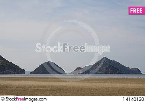Free Golden Beach. Stock Photo - 14140120