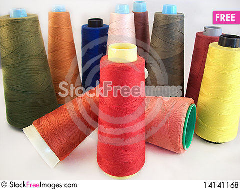 Free Colored Sewing Threads Royalty Free Stock Photos - 14141168