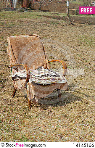 Free Garden Chair With Pillow Royalty Free Stock Image - 14145166