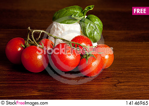 Free Ricotta  With Basil And Tomatoes Royalty Free Stock Photo - 14146965