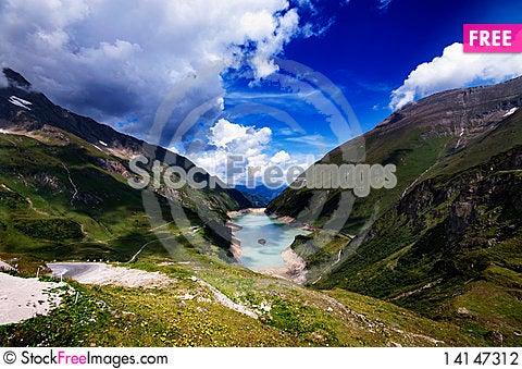 Free Mountain Lake Stock Photography - 14147312