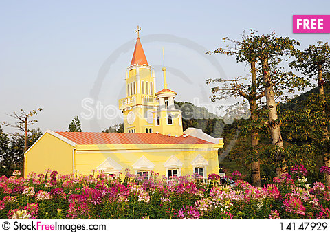 Free A Yellow Church. Royalty Free Stock Images - 14147929